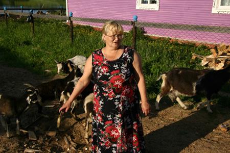 Лидия Дружинина – одна из активных членов общины, деревенский фельдшер