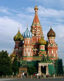 На главках храма Василия Блаженного мы видим все цвета, весь этот храм - образ Небесного Иерусалима