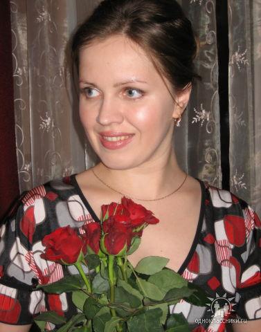golie-devushki-i-more